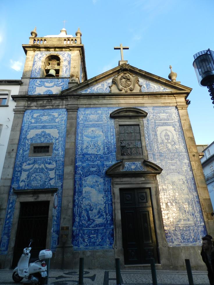 Azulejos sur la façade extérieure de la Capela das Almas, Porto - Portugal